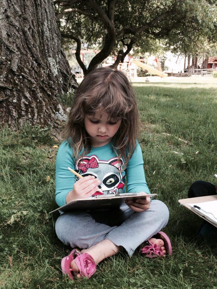 enfant qui apprend à organiser ses tâches