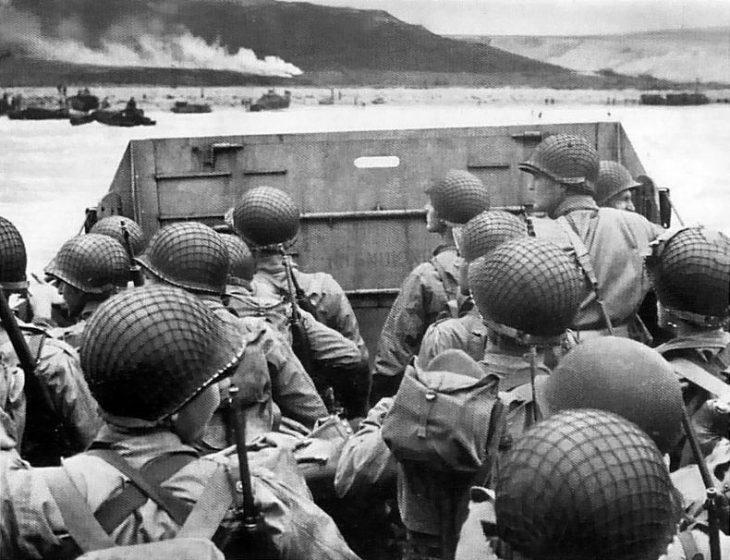 soldats pour débarquement en Normandie