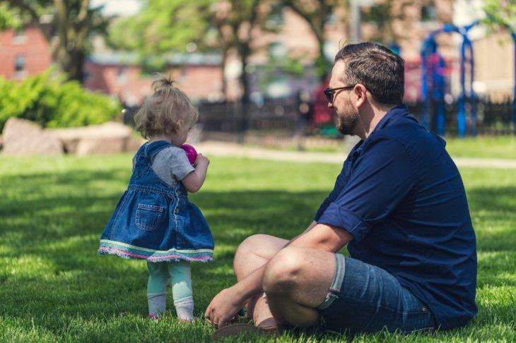 père avec sa fille